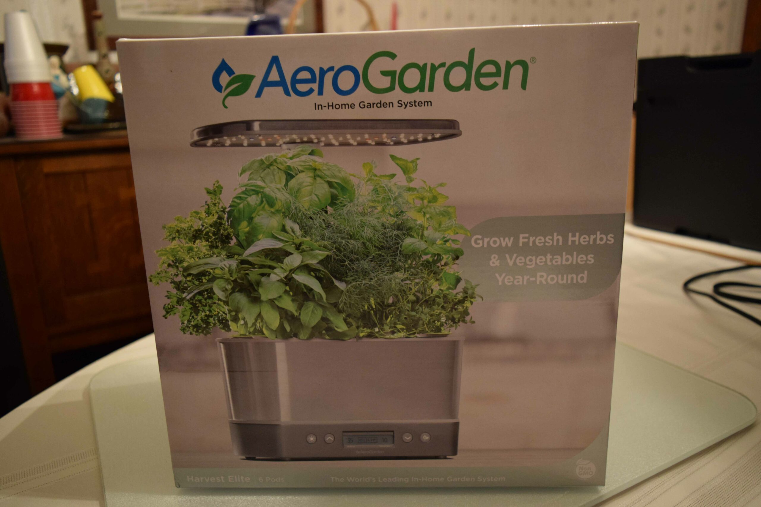 AeroGarden Elite Harvest Box. 2